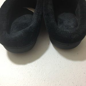 isotoner Shoes - Black Isotoner Slipper Size 7.5-8